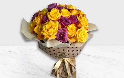 دسته گل رز رنگی