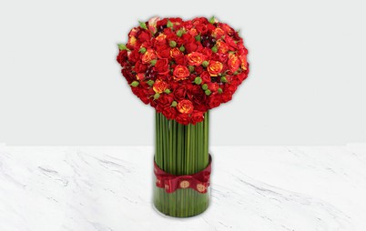 گلدان شیشه ای قلب سرخ