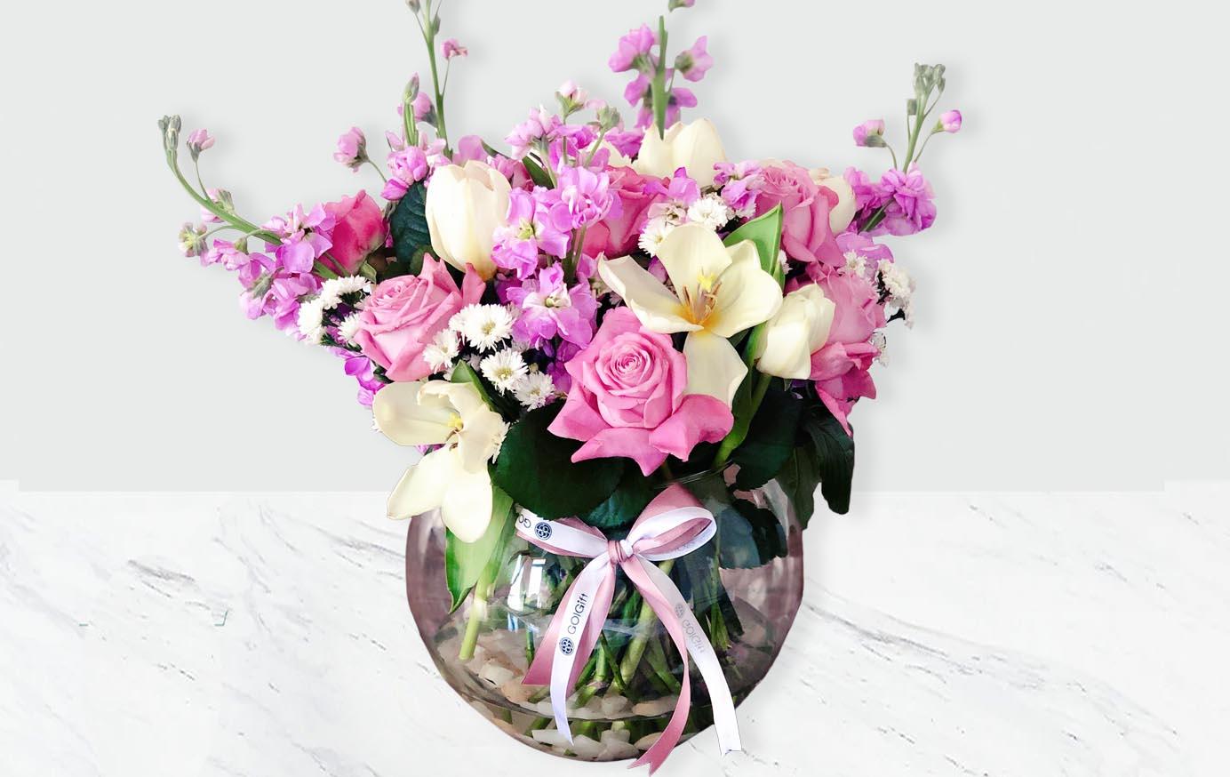 گلدان لاله و شب بو
