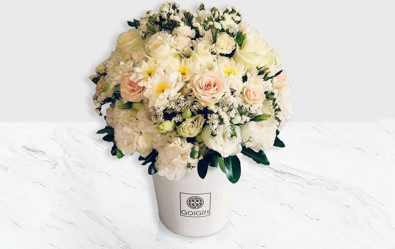باکس گل رز سفید