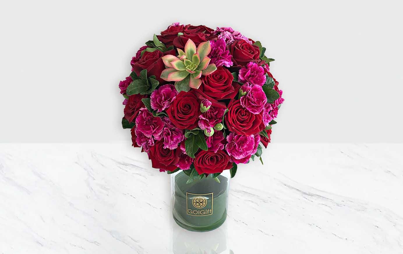 گلدان شیشه ای گل رز