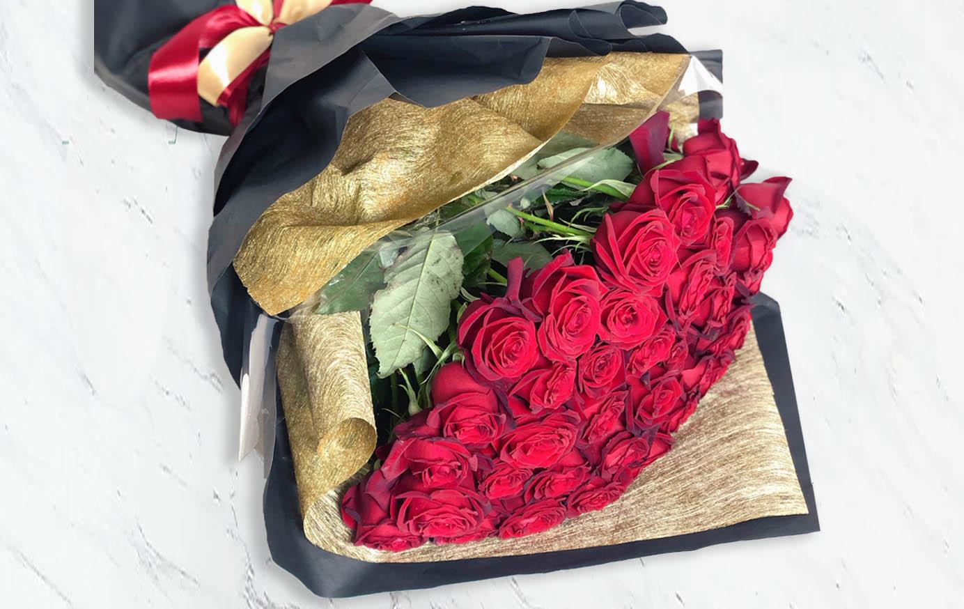 دسته گل رز هلندی