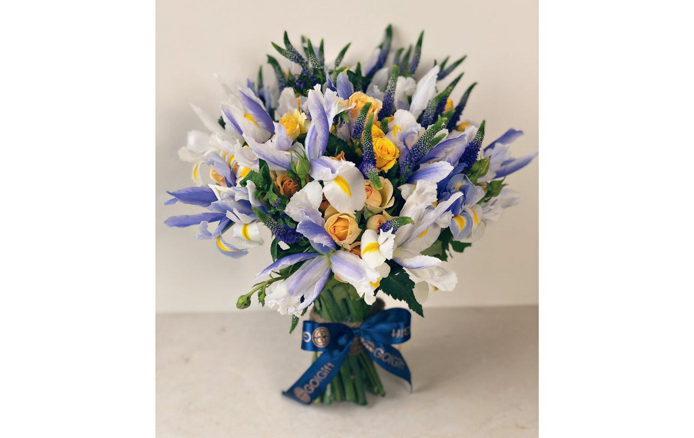 دسته گل زنبق و رز مینیاتوری