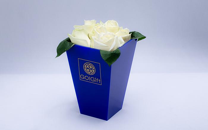 باکس گل رز سفید 6 شاخه ای