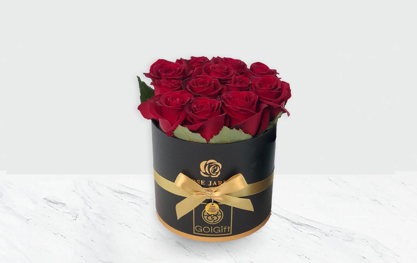 خرید باکس طلایی مشکی گل رز