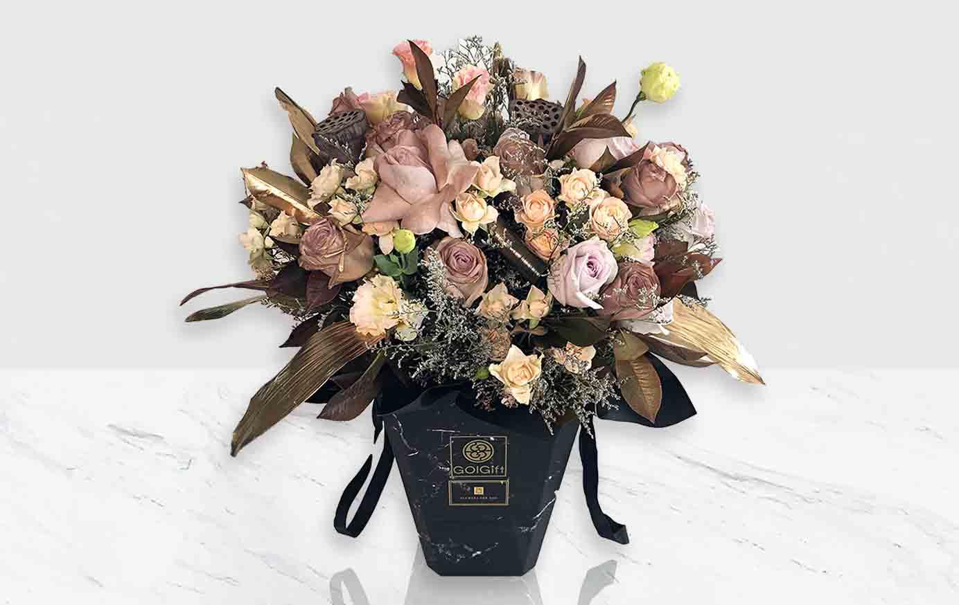 جعبه گل سنگ طلایی