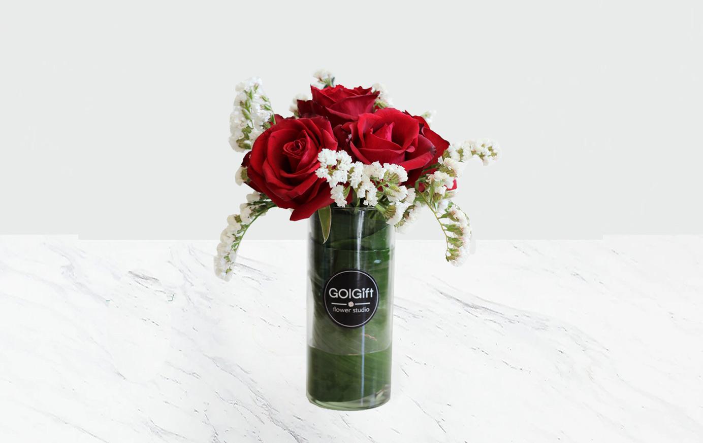 گلدان رز هلندی و زنبوری