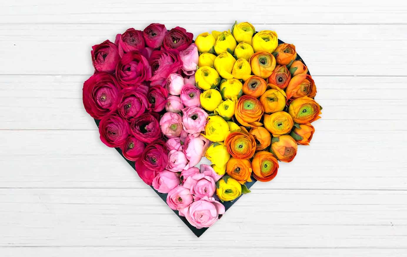 خرید باکس گل قلبی آلاله